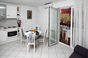 Apartments in Beautiful Split, Apartments  Podstrana - big - 8