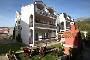 Apartments in Beautiful Split, Apartments  Podstrana - big - 1