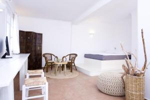Yakinthos Residence, Apartmánové hotely  Panormos Mykonos - big - 56