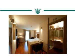Trattoria Locanda Ai Tre Amici, Hotels  Mortegliano - big - 37