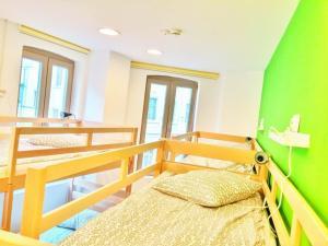 Pura Vida Sky Bar & Hostel, Hostelek  Bukarest - big - 27