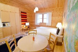 7 Fells Hostel, Hostelek  Äkäslompolo - big - 5