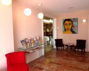 Amerique Hotel Palavas Montpellier Sud, Отели  Палава-ле-Фло - big - 32