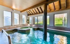 Location gîte, chambres d'hotes Lagrange Vacances Les Chalets de l'Adet dans le département Hautes Pyrénées 65
