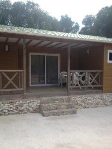 Location gîte, chambres d'hotes Camping Residence Chalet La Pomposa Terrazzoni dans le département Corse du Sud 2a