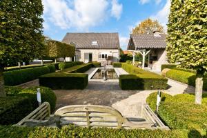 Luxurious Villa 't Hof van Kal..