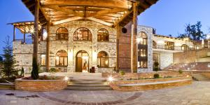 Kazarma Hotel - Mesorráchi