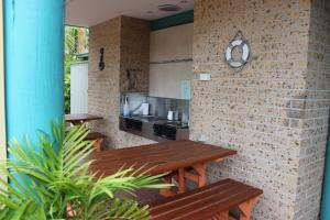 Beaches Serviced Apartments, Aparthotels  Nelson Bay - big - 52