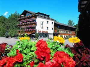 Hostales Baratos - Hotel Hirsch mit Café Klösterle