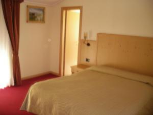 Hotel Ristorante Miramonti, Szállodák  Val Masino - big - 7