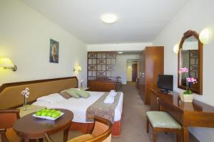 Aquamare Beach Hotel & Spa (31 of 56)