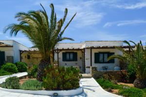 Villa Peristeri Antiparos Greece
