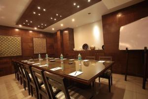 Justa MG Road Hotel, Szállodák  Bengaluru - big - 29