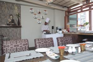 Justa MG Road Hotel, Szállodák  Bengaluru - big - 22
