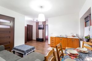 Apartamenty Prestige, Guest houses  Zakopane - big - 9