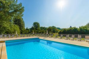 Location gîte, chambres d'hotes Lagrange Vacances Les Bastides de Lascaux dans le département Dordogne 24