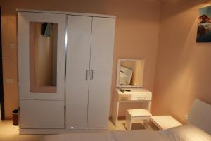 Hotel London Palace Tbilisi, Отели  Тбилиси - big - 81