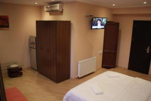 Hotel London Palace Tbilisi, Отели  Тбилиси - big - 96