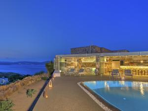 Eirini Luxury Hotel Villas, Vily  Grikos - big - 122