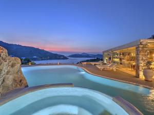 Eirini Luxury Hotel Villas, Vily  Grikos - big - 1