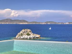Eirini Luxury Hotel Villas, Ville  Grikos - big - 33