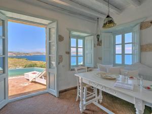 Eirini Luxury Hotel Villas, Виллы  Грикос - big - 40