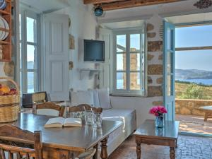 Eirini Luxury Hotel Villas, Виллы  Грикос - big - 107