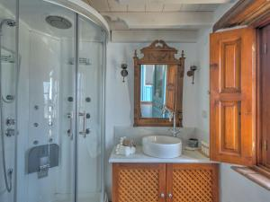 Eirini Luxury Hotel Villas, Виллы  Грикос - big - 9