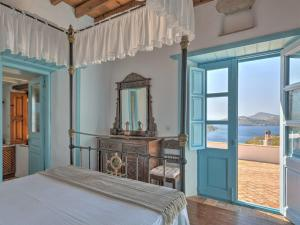Eirini Luxury Hotel Villas, Ville  Grikos - big - 12