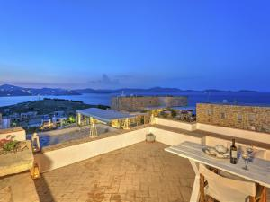 Eirini Luxury Hotel Villas, Виллы  Грикос - big - 8