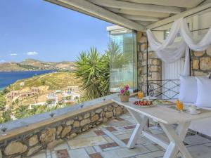 Eirini Luxury Hotel Villas, Vily  Grikos - big - 127