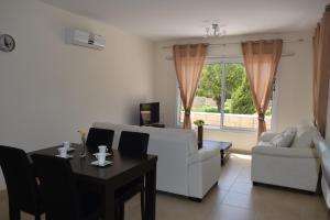 Zephyros Apartments, Apartmanok  Mandriá - big - 72