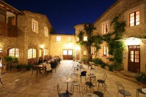 Location gîte, chambres d'hotes Auberge La Plaine, The Originals Relais dans le département Drôme 26