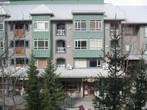 Town Plaza Suites by Golden Dreams - Apartment - Whistler Blackcomb