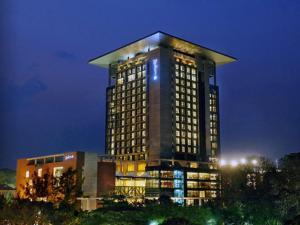 Radisson Blu Chattogram Bay View, Hotel  Chittagong - big - 1