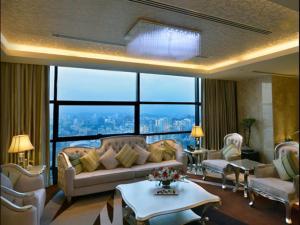 Radisson Blu Chattogram Bay View, Hotel  Chittagong - big - 40