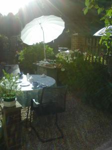 La Maison de la Plage - La Cerisaie, Bed & Breakfasts  Honfleur - big - 25