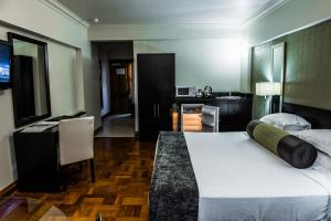 Belaire Suites Hotel, Hotely  Durban - big - 100