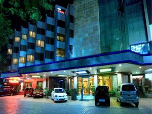 Hotel Mayura, Райпер