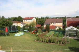 Villa Anastazis - Penzion Eden, Guest houses  Karlovy Vary - big - 105