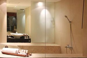 Grand Aston City Hall Hotel & Serviced Residences, Aparthotels  Medan - big - 19