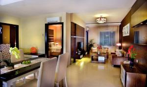 Grand Aston City Hall Hotel & Serviced Residences, Aparthotels  Medan - big - 12
