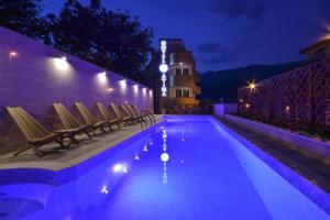 Hotel Atina, Будва