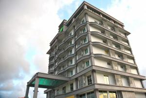 The Pavilion Hotel