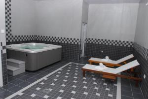 Hotel Magnolia, Hotels  Tivat - big - 17