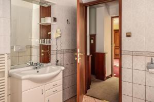 Hotel Tihany Átrium, Hotel  Tihany - big - 28