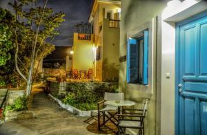 Mainades Maisonettes & Studios Andros Greece