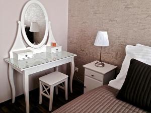 Moravia Boutique Apartments, Residence  Karlovy Vary - big - 24