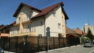 Garsoniera Strada Bucegi, Appartamenti  Sibiu - big - 4