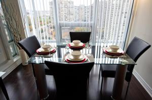 Whitehall Suites - Mississauga Furnished Apartments, Apartments  Mississauga - big - 22
